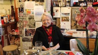 Irma Koch («Chäber») kurz nach ihrem 85. Geburtstag im Herbst 2014 in ihrem Restaurant, das sie seit über 50 Jahren führt. Archiv/az