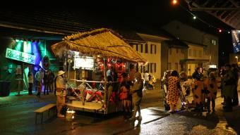 Eine Strassenfasnacht wie im Jahr 2014 mit der damals für den Verkehr gesperrten Dorfstrasse in Wolfwil gehört wohl der Vergangenheit an.