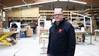 Mit dem Holz gewachsen: Beat Bader ist Geschäftsführer des Familienbetriebs mit 31 Mitarbeitenden.
