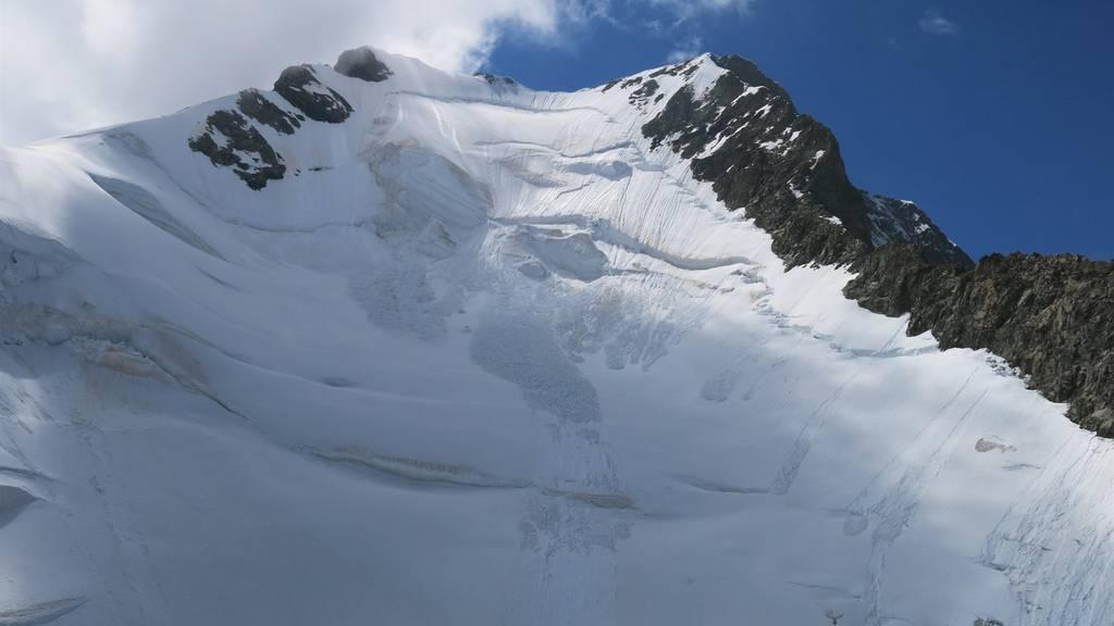 Am Sonntagnachmittag verunglückte am Piz Bernina ein Bergführer tödlich.
