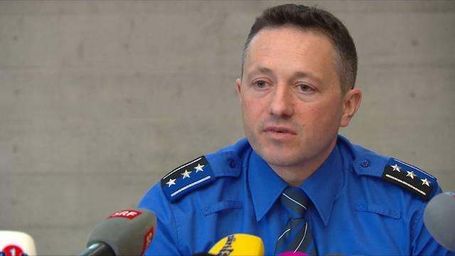 Vierfachmord Rupperswil: Markus Gisin, Chef der Kriminalpolizei Aargau, gibt Auskunft über die Ermittlungsstände und das weitere Vorgehen.