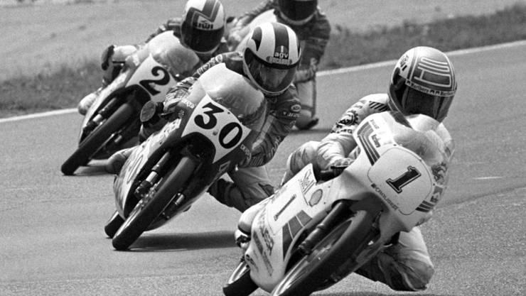 Angel Nieto (Nr. 30) verfolgt 1986 in Monza Leader Stefan Dörflinger