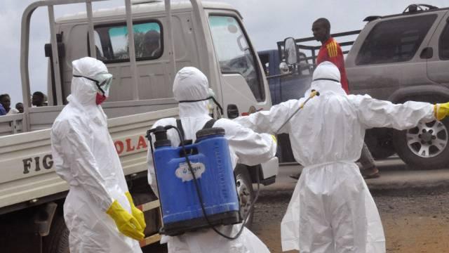Einsatzkräfte in Liberias Hauptstadt Monrovia