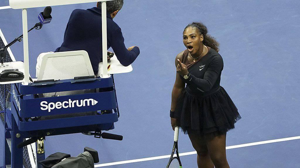 Serena Williams wird für ihre verbale Attacke auf Stuhlschiedrichter Carlos Ramos gebüsst