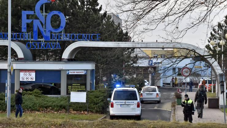 Nach Schüssen in einem Spital im tschechischen Ostrava hat es mehrere Tote gegeben.