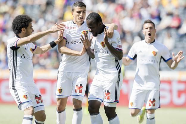 Der FC Basel bejubelt das erste Tor.