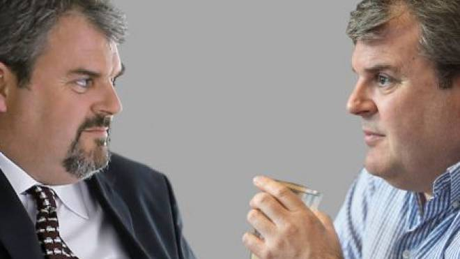 Im Bestatter (links) ist viel von Mike Müller drin. «Aber wenn der Bart ab ist, bin ich wieder Mike Müller». Foto: Keystone, RDB