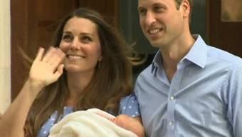 William, Kate und der neugeborene Prinz verlassen das Spital