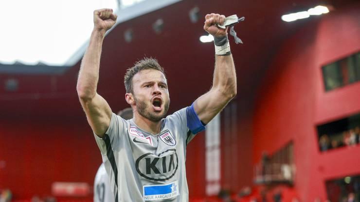 Elsad Zverotic, Captain und Stütze für die jungen Spieler des FC Aarau