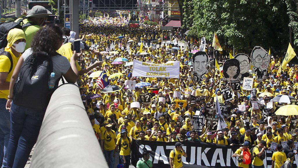 In Gelb gegen den Premier: Aktivisten der Bewegung Bersih demonstrieren in Kuala Lumpur.
