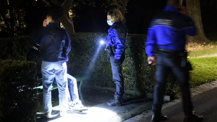 Wollen den Einsatz von Bodycams ausweiten: Die Lausanner Polizei (im Symbolbild) und die Kantonspolizei Waadt.