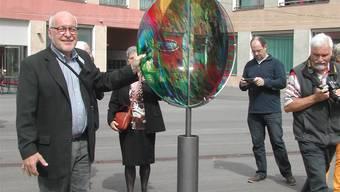 «Colour Ball» von Rudolf Butz ziert den neuen Dorfplatz in Deitingen.