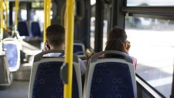 Seit einem Jahr nehmen geschulte Testkunden den regionalen Personenverkehr unter die Lupe. Sie überprüfen, wie es in Zügen und Bussen um Sauberkeit, Sicherheit und Kundenfreundlichkeit steht. (Symbolbild)
