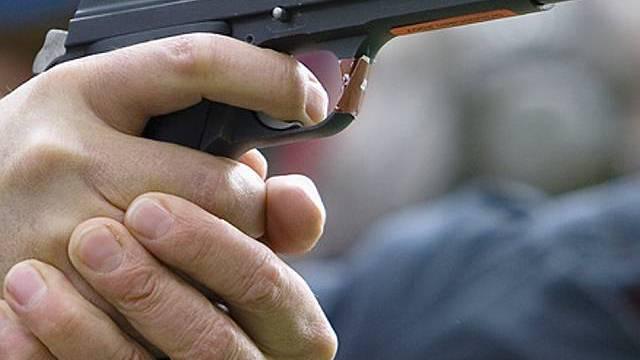 Bewaffnete Überfälle auf Tankstellen-Shops (Symbolbild)