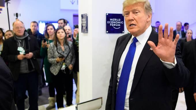 Im Januar 2020 dürfte Donald Trump zum zweiten Mal ans World Economic Forum (WEF) in Davos reisen. Definitiv ist der Besuch aber erst, wenn die «Air Force One »in Zürich-Kloten aufsetzt. (KEYSTONE/Laurent Gillieron)