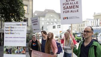 Auf dem Berner Bärenplatz hätte heute für die rechtliche Gleichstellung von sogenannten Regenbogenfamilien demonstriert werden sollen.