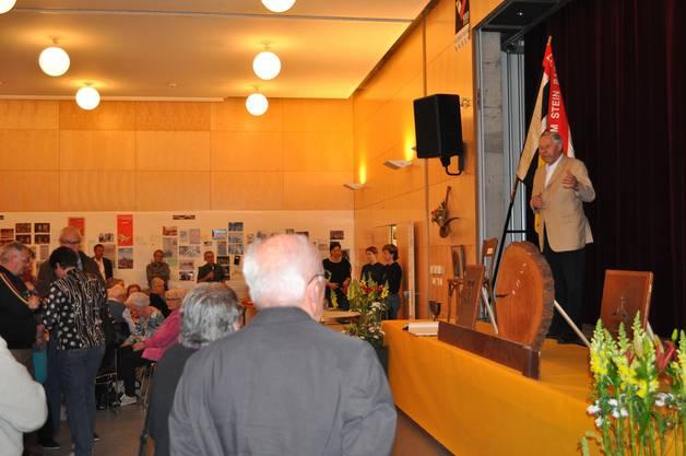 Organisator Sepp Schmid erntete für seine Ansprache viele Lacher und Applaus