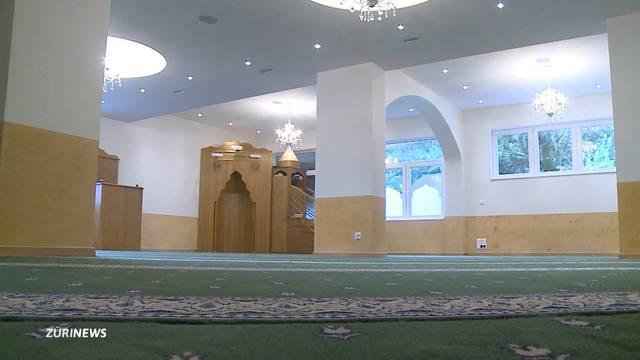 Massenschlägerei in Moschee