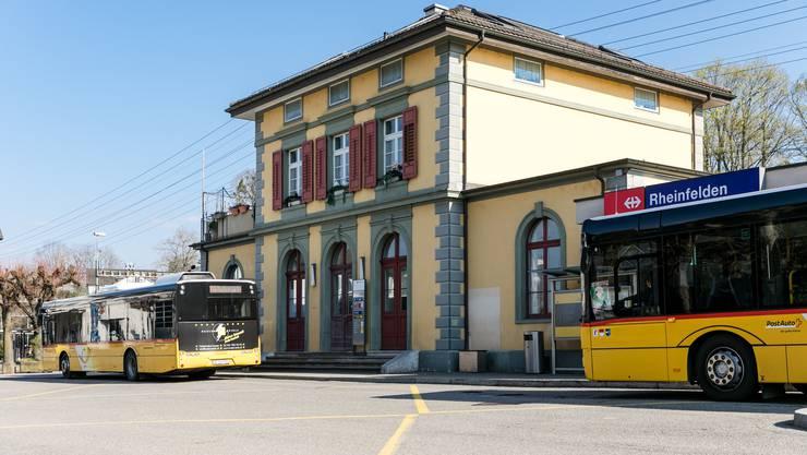 Die Roche Kaiseraugst soll mit einer eigenen Busspur angebunden werden. (Archivbild: 25.03.2020)