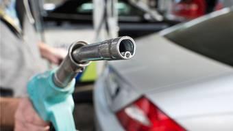 Umstritten: Wozu sollen die Einnahmen der Steuern auf Treibstoffe verwendet werden?