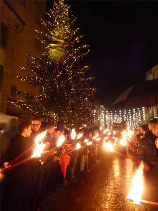 Die Marktgasse erstrahlt in weihnachtlichem Lichterglanz. Ingrid Arndt