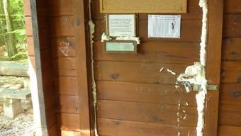 Bem Blockhaus in Oensingen wurden Vandalismus-Tätigkeiten begangen.