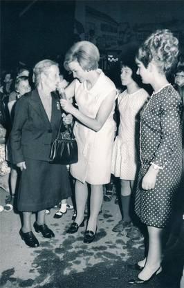Anlässlich der 1000-Jahr-Feier führte Radio- und TV-Star Heidi Abel am Freitag, 5. Juli 1968, durch die Modeschau und interviewte Leute. zvg