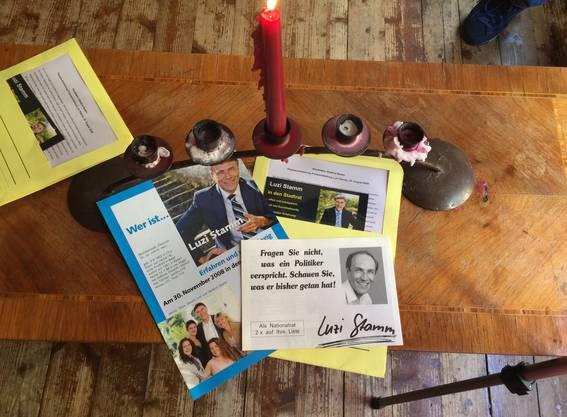 Die Flyer von Luzi Stamm aus vergangenen, erfolgreichen Wahlkämpfen.
