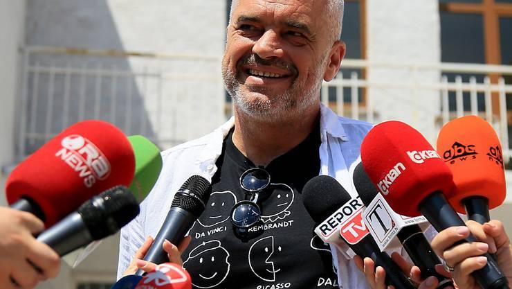 Albaniens Regierungs- und Sozialistenchef Edi Rama hat wohl Grund zum Strahlen - es sieht nach einem Wahlsieg aus