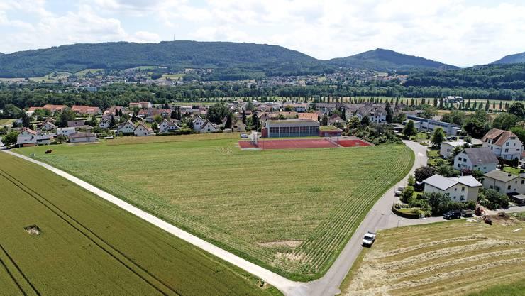 Das Areal Büelacker (Bildmitte) liegt noch in der Zone für öffentliche Bauten. Künftig soll es laut Gestaltungsplan der Zone W3 angehören, die dichtere Wohnüberbauungen zulässt.