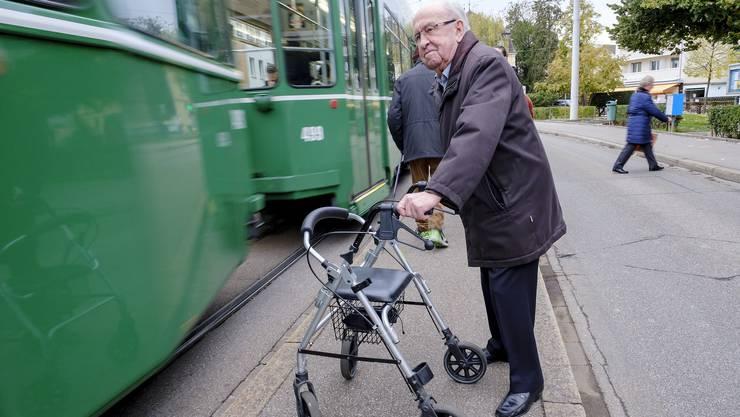 Die Altfahrzeuge stellen für Eugen Stebler eine Herausforderung dar.