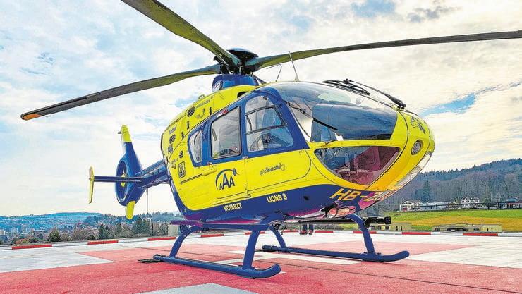 Seine Basis hat der blau-gelbe Helikopter nach wie vor in Birrfeld; tagsüber soll er aber, um schneller zu sein, jeweils ab dem Spital Limmattal fliegen.