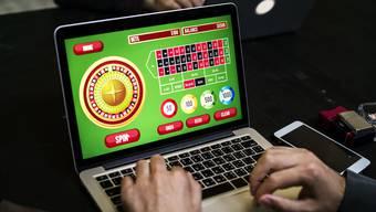 Die Schweizer Casinos dürfen bald auch Online-Glücksspiele anbieten.
