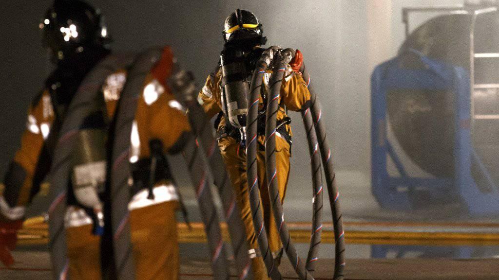 Die Rettungskräfte von SIS kamen am Mittwoch bei einer Explosion im Kanton Genf zum Einsatz. (Symbolbild)