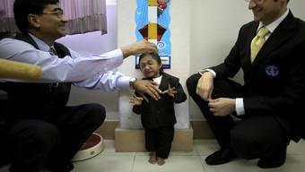 Das Guinness-Buch der Rekorde erklärte Thapa Magar 2010 zum kleinsten lebenden männlichen Teenager. Später erhielt er den Titel des kleinsten beweglichen Mannes der Welt. (Archivbild)