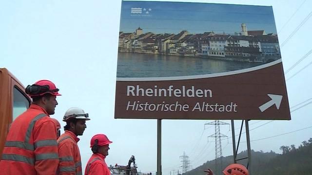 Neue Schilder für Tourismusattraktionen im Kanton Aargau