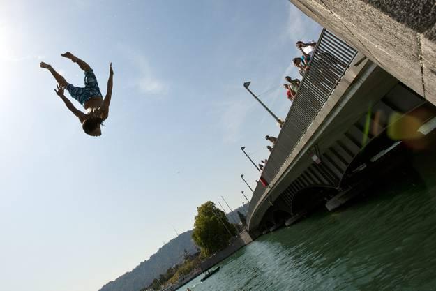 Sprung in den Zürichsee