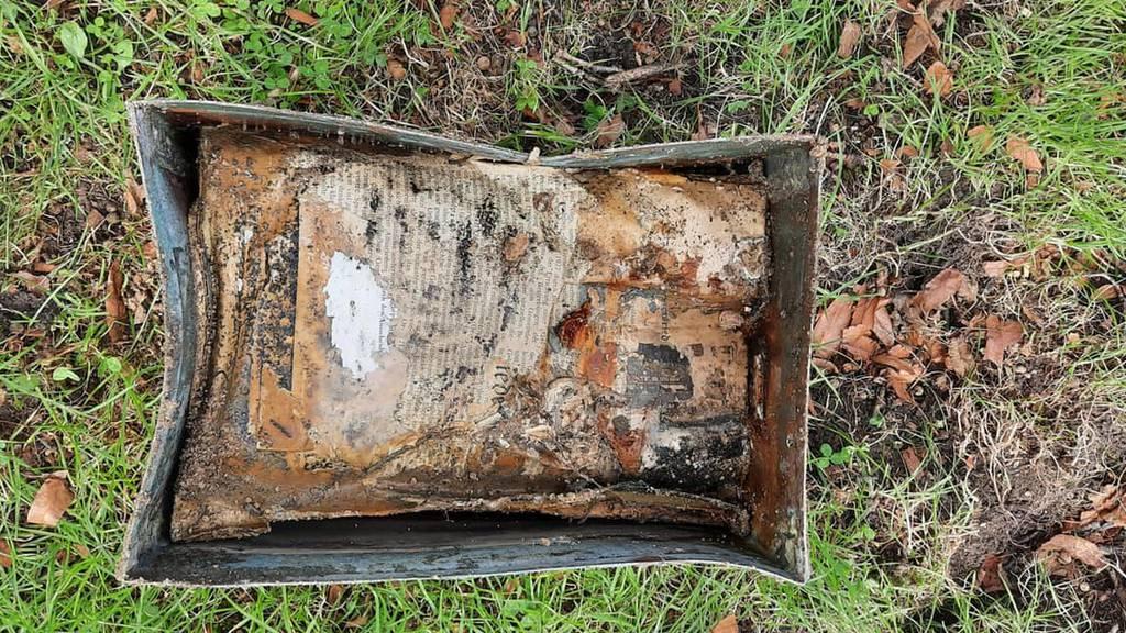 Sturm entwurzelte Linde - 70-jährige Zeitkapsel gefunden