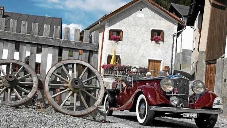 Anlass für gut betuchte Autofans in idyllischer Umgebung: Die Oldtimer-Rallye im Oberengadin.