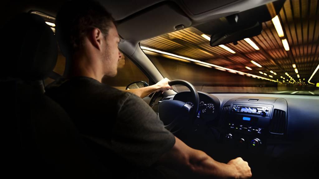 Autofahrer unter 25 Jahren sollen nachts nicht mehr fahren dürfen. (Symbolbild)