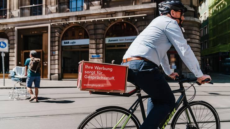 «Working Bicycle» vermietet den Kunden Werbeflächen auf den Velos von Privatpersonen.