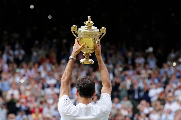 2017: Federer s. Cilic 6:3, 6:1, 6:4 Nach seinem Triumph bei den Australian Open und Turniersiegen in Indian Wells und Miami lässt Federer die Sandsaison komplett aus. Als er zurückkehrt,gewinnt er erst in Halle und triumphiert danach zum achten Mal in Wimbledon, aber das erste Mal, ohne ein Satz abzugeben. Bei den Männern ist er nun alleiniger Rekordsieger im Einzel. «Als ich 2001 Pete Sampras geschlagen habe, hatte ich gehofft, dass ich vielleicht irgendeinmal die Chance haben würde, im Final zu stehen, oder sogar das Turnier zu gewinnen. Aber acht Mal? Das schien unmöglich», sagt Federer.