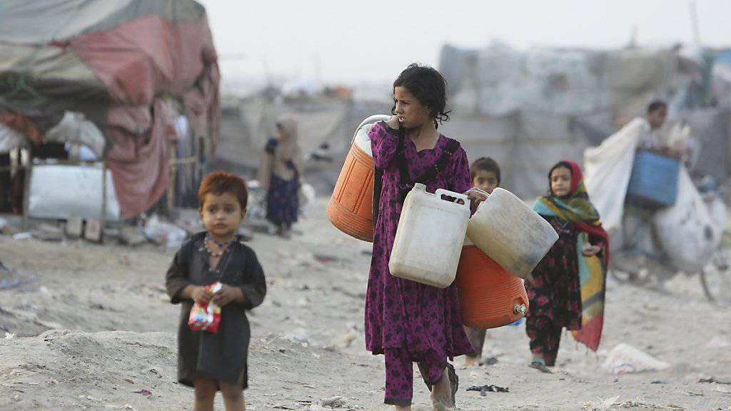 Afghanische Hunger- und Kriegsflüchtlinge in Pakistan (bis Ende 2019 noch ein Deza-Schwerpunktland).