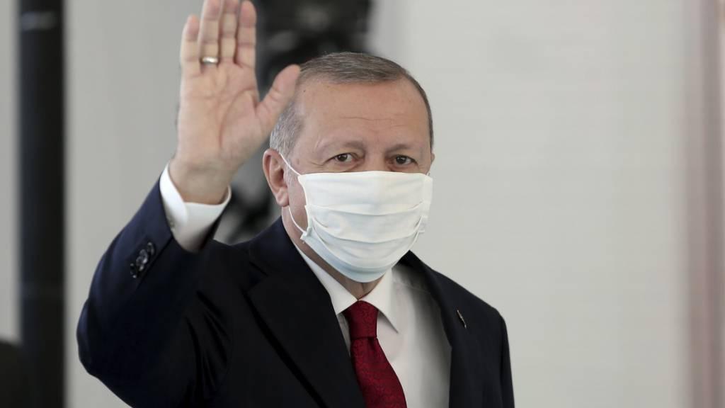 Coronavirus: Erdogan sagt Wochenend-Ausgangssperre wieder ab