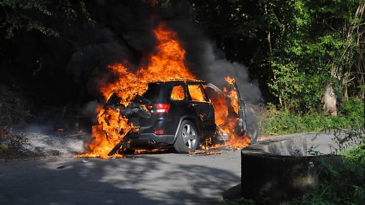 Am Samstagmorgen ist in Schaffhausen ein Personenwagen komplett ausgebrannt.