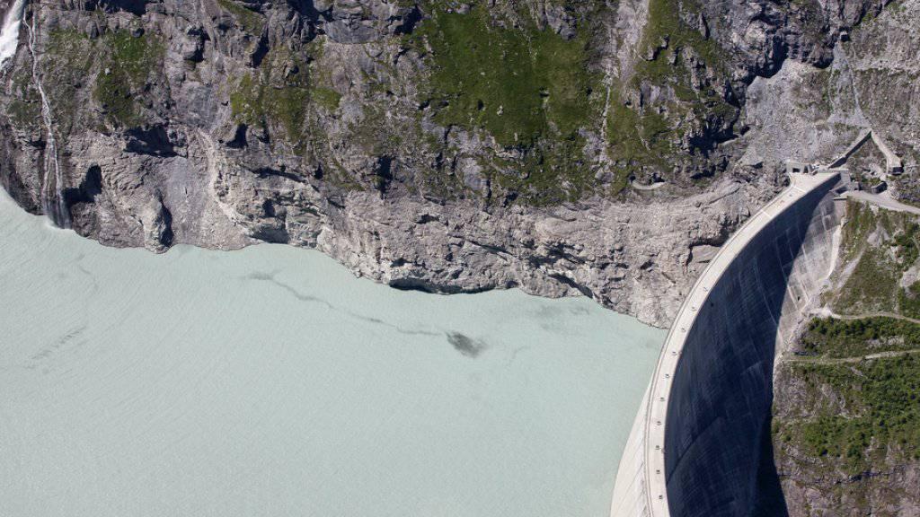 Der Unfall passierte in der Gegend des Mauvoisin-Staudamms im Val de Bagnes. Ein 54-jähriger Niederländer kam ums Leben. (Symbolbild)