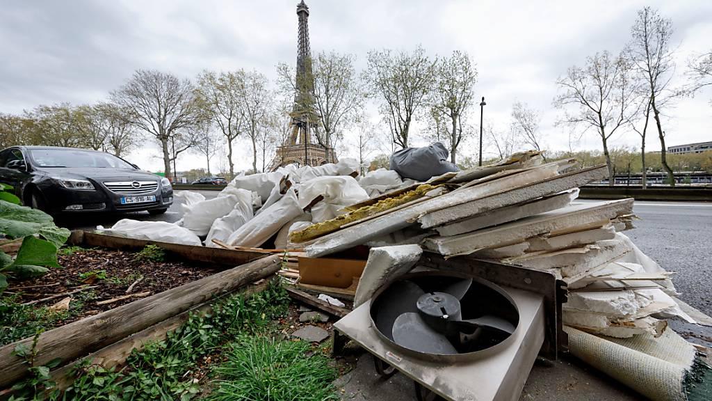 Paris hat ein Müllproblem. Foto: Leo Novel/dpa