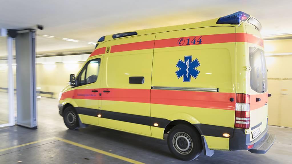 Nach einer Auseinandersetzung am Bahnhof Steckborn TG musste ein 28-jähriger Mann verletzt ins Spital gebracht werden. (Symbolbild)