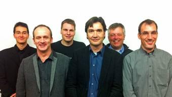 Das neue, überparteiliche Komitee «François Scheidegger als Stadtpräsident» mit Scheidegger (4.v.l.) und den Co-Präsidenten des Komitees (v.l.) Richard Aschberger (SVP), Alexander Kohli (FDP), Roland Hartmann (BDP), Eric von Schulthess (GLP) und Marco Crivelli (CVP). zvg