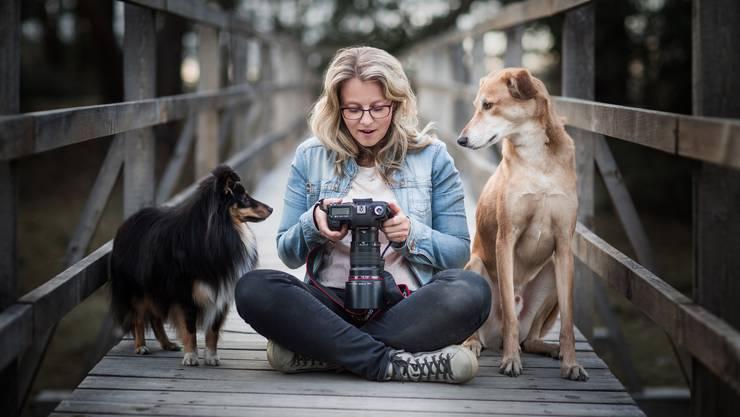 Denise Czichocki aus Möhlin wurde vom altehrwürdigen Kennel Club in London alsDog Photographer of the Year 2019 ausgezeichnet. Sie fotografiert ihre beiden Hunde Safran (Windhundmischling) und Sunny (Sheltie), aber auch auf Auftrag andere Hunde.